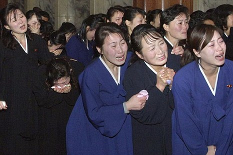 North_Korean_mourners.jpg